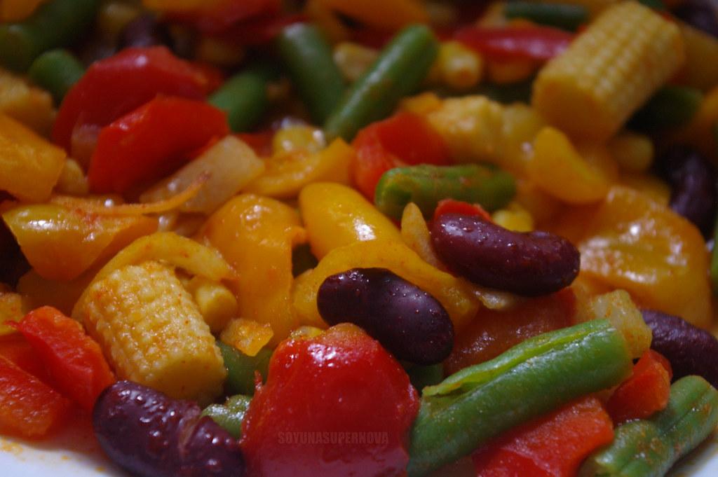 Verduras salteadas al estilo mexicano.
