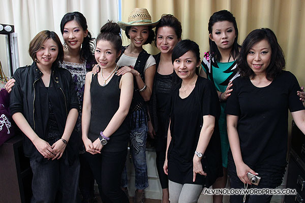 The four bloggers with the makeup artists from Make Up For Ever Academy