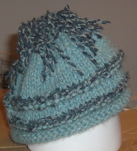boucle-striped hat