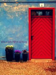 A home is............ di LaTur