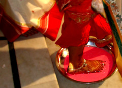 Altaa|Scarlet (~ladanseuse) Tags: red summer feet scarlet bride ritual henna saree bengaliwedding payals altaa weddingrituals banarasisari
