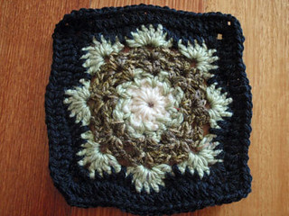 Free Crochet Pattern For Snowflake Granny Square : Ravelry: Woollys Snowflake Square pattern by Letitia Sherriff