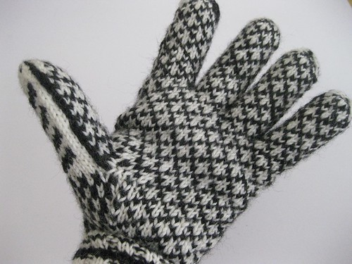 Norwegian Gloves