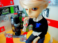 Quinch your Thirst (CreeperBones0) Tags: bottle dal can pop tony pullip vault soda cocacola diet arion taeyang