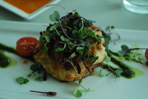 crab cake topped w/prosciutto...YUM.