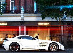 FAB Design SLR (Philipp Lcke) Tags: fab white money slr london speed design nightshot action stripes olympus ferrari desire mclaren e3 lamborghini luxury coupe edo spotting ccr koenigsegg fabdesign carspotting ahlen ccx eor ccxr exoticcarspotting edocompetiton
