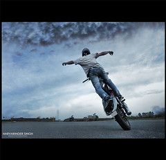 No Hander Circles (Harvarinder Singh) Tags: from bike canon eos view you photos mark or iso ii mtv l 5d everyone singh 6400 2470 iso6400 photographyx harvarinder tirlochansinghbhamrah tirlochan tirlochanbhamrah singhxstuntsxpulsar stuntmaniaxstyle bikingxfreestyle stuntsxfreestyle ridingxcaptain americaxcanoncanon iixcanon usmxcanon iix5d mk2x canoneos5dmarkiiatiso6400