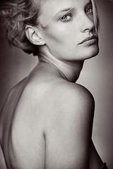 L (Herv Mitko) Tags: portrait bw white black girl model noir femme nb blond blonde et fille blanc modele hervmitko