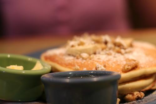 S+J's visit  -- Pancakes!