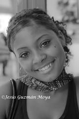 Sonrisa Cubana (Jesus Guzman-Moya) Tags: portrait woman mujer retrato cuba lahabana chuchogm jesusguzmanmoya sonydslra900