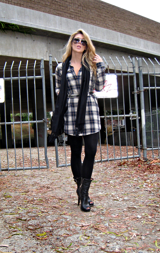 trovata, trovata plaid boyfriend shirtdress, plaid+leggings+leather boots+michael kors+ferragamo+ray bans+gate,