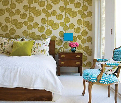 bold-wallpaper-in-bedroom