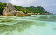 La ra per anar a La Digue / The reason for visiting La Digue (SBA73) Tags: ocean trip sea panorama costa mer beach water strand landscape island coast mar mas agua holidays rocks paradise view turquoise unique indian pictured playa paisaje boulder boulders most granite tropical seychelles mes indic adds impressive aigua rocas platja roques paisatge ladigue turquesa peligroso granito ansesourcedargent granet supershot sourcedargent mywinners abigfave anawesomeshot superaplus aplusphoto fotografiada 100commentgroup mygearandmepremium mygearandmebronze mygearandmesilver