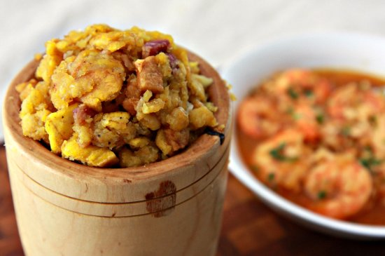 Mofongo con Sopa de Marisco