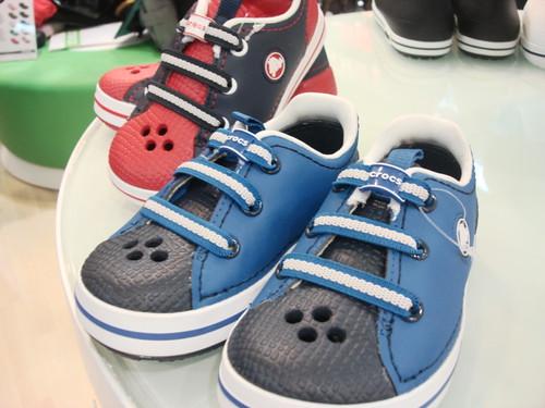 Crocs store - mid valley (3)