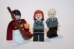 Quidditch James, Prefect Lily and Wormtail (Spielbrick Films) Tags: james evans lily lego harry potter peter minifig timothy minifigs quidditch hogwarts pettigrew spall jk rowling prefect marauders minifigure minifigures