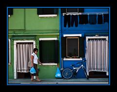 Burano II (Kepa_photo) Tags: verde art bike bicycle azul italia raw bicicleta olympus cycle bici zuiko euskalherria euskadi paisvasco burano 43 ciclo fourthirds olympuse1 digital43 livemos kepaphoto kepaargazkiak