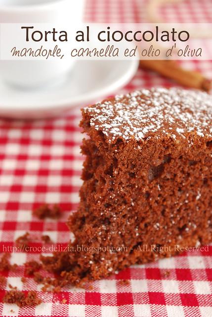 Torta con cioccolato e mandorle al profumo di cannella