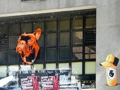 StreetArt, Madrid, Spain by Padu and ABL.K (balavenise) Tags: street city urban dog chien streetart art publicspace graffiti calle spain artist tag cité ciudad urbanart artbrut rue espagne ville urbain artdelarue arturbain padu éphémère postgraffiti artecallejo artedecalle artsauvage efemero espaceurbain ablk