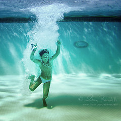 the frozen moment () Tags: boy portrait andy water pool frozen underwater andrea dive andrew piscina grace splash acqua graceful ritratto tuffo plunge ragazzo bambino grazia benedetti grazioso sottacqua congelato