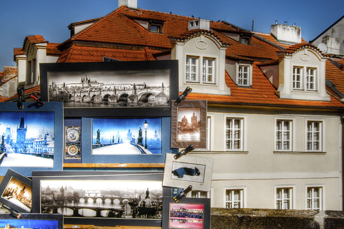 Pictures and house. Prague. Cuadros y casa. Praga