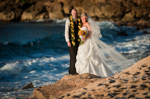 Erica & Jimmy's Hawaiian Wedding by Sherene
