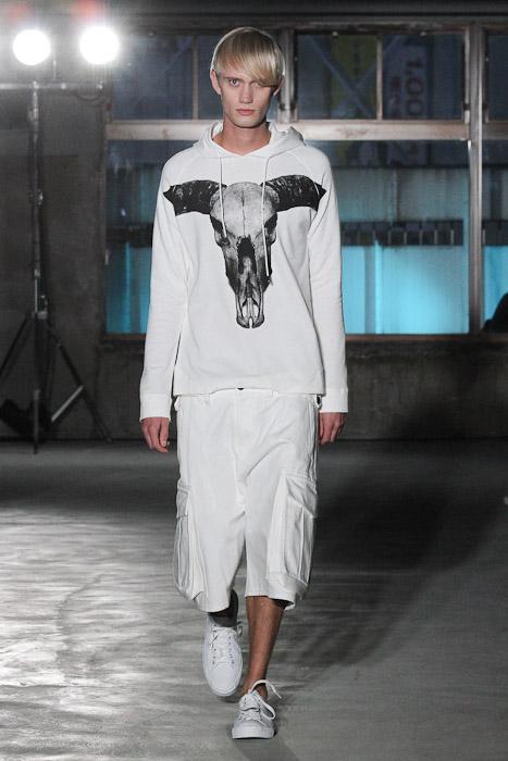 SS11_Tokyo_Sise016_Nicolai Haugaard(Fashionsnap)