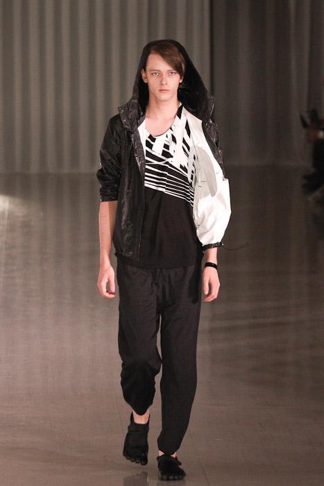 SS11_Tokyo_MOLFIC008_Daniel Hicks(Fashionsnap)