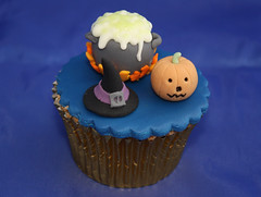 Hallowe'en cupcake (Cakes by No More Tiers (York)) Tags: blue halloween hat pumpkin miniature scary model witch jackolantern trickortreat spell spooky pot cupcake buckle cauldron hex bubbling bruxa bruja citrouille hexe gumpaste witchshat sorciere halloweencake halloweencupcake sugarcraft sugarpaste yorkcupcakes gumpastepumpkin yorkcakes nomoretiers