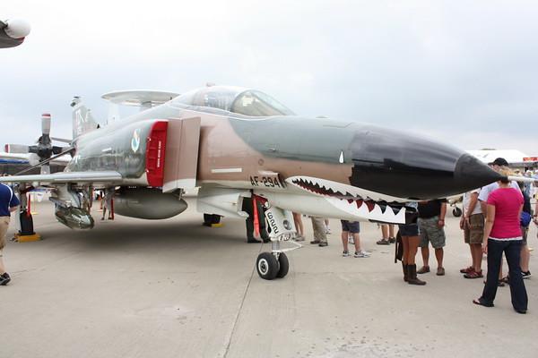 EAA10_F-4E_81