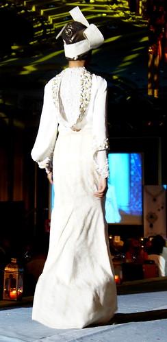 Islamic fashion festival 2010 - Jovan Mandagie (14)