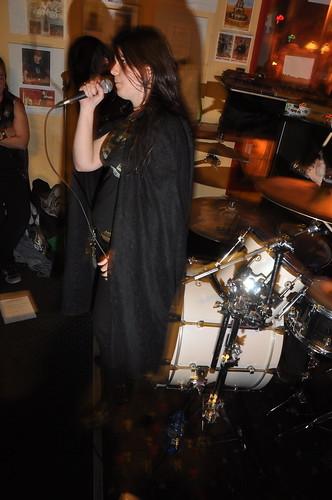 Cauchemar at the Avant-Garde Bar