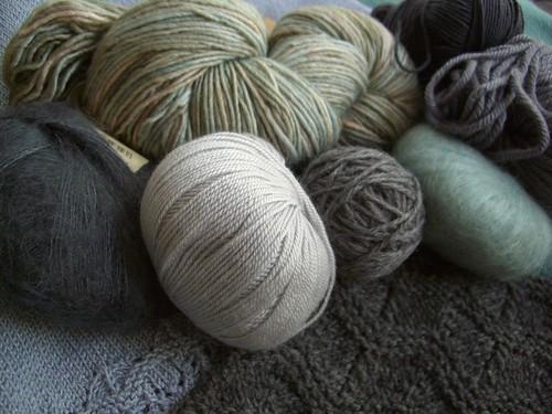 Gray yarn