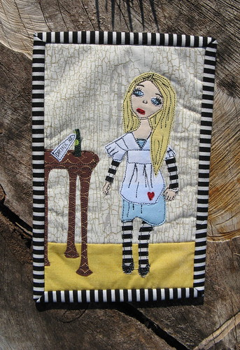 Mug Rug Swap 2 - Alice in Wonderland