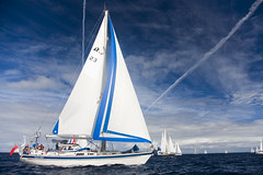 The ARC Race Leaves Las Palmas on the Way to St Lucia (Alex Bramwell) Tags: blue sky white grancanaria sailboat race start boats sailing yacht sails arc atlantic 25th transatlantic 2010 startline laspalmas puertodelaluz arcrace mueeledelaluz worldcruisingclub