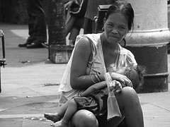 Sa piling ni Inay (pamsampo) Tags: street children sony philippines mother streetphotography manila sonycybershot quiapo nanay inay sonyh7 pamsampo luzbalasbas mothderdaughter