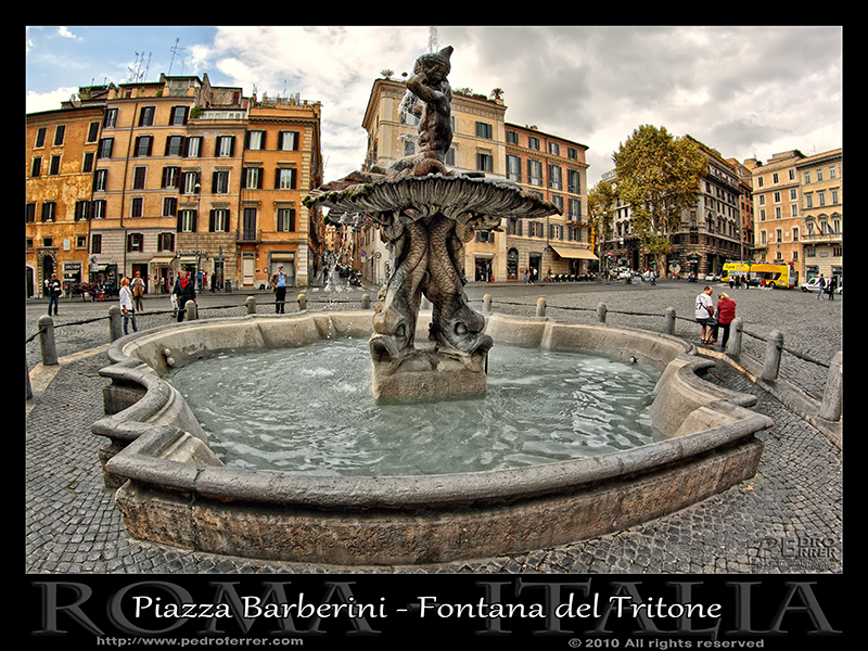 Roma - Fontana Tritone en Piazza Barberini