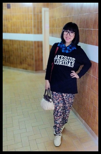 Plaid Shirt, Oversized Sweater & Floral Pants - Casual Friday