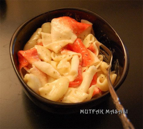 Pasta with cream and crub sticks
