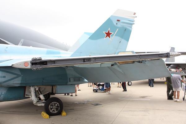 EAA10_FA-18C_063