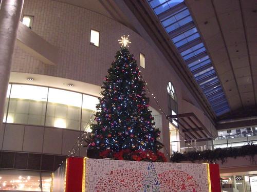 アルパーク 東棟 クリスマスツリー 画像1