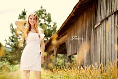 Taisa (Francine de Mattos) Tags: 50mm photo nikon retrato santacatarina fotografia f28 d90 francinedemattos fotografeumaideia