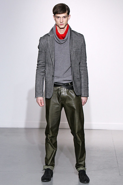Theo Hall3113_FW11_Paris_Gustavo Lins (Simply Male Models)