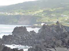 San Roque do Pico 170611_250 (jimcnb) Tags: 2017 juni urlaub azoren azores açores pico picoisland sanroquedopico coast rocks brandung ilona norah