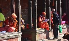 """NEPAL, Pashupatinath, Zu den Hindutempeln und Verbrennungsstätten, 16309/8619 (roba66) Tags: reisen travel explore voyages roba66 visit urlaub nepal asien asia südasien kathmandu pashupatinath """"pashu pati nath"""" """"pashupati """"herr alles lebendigen"""" tempelstätte hinduismus shivaiten tempel verehrungsstätte shiva tradition religion building menschen leute bettler saddhus typen"""