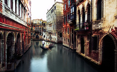 the Gondolier (Mine_Kar) Tags: venezia venice gondolier mood