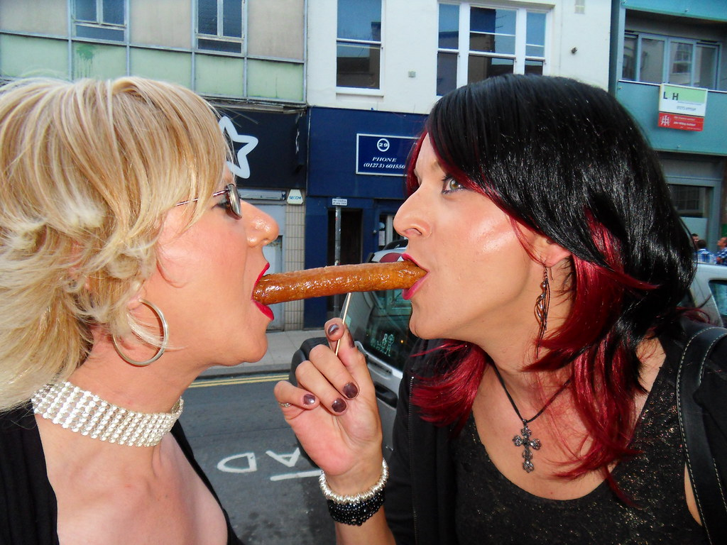 Tanya and kissy fisting video