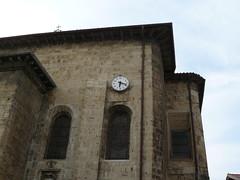 Ciboure (Pyrénées-Atlantiques), l'église Saint Vincent: il est 18 heures 20 (Marie-Hélène Cingal) Tags: france southwest clock church iglesia kirche 64 chiesa horloge église euskadi paysbasque sudouest aquitaine ciboure pyrénéesatlantiques