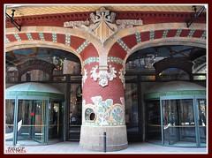Palau de la msica 08 (Flix Gonzlez) Tags: barcelona espaa spain nikon catalonia catalunya modernismo modernisme palaudelamusica d90 nikon18200 nikond90 nikond90club domenecimontaner