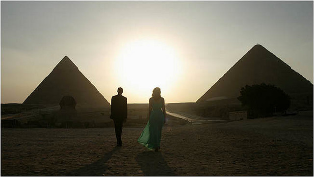 Alexander Siddig and Patricia Clarkson bring poise and grace to 'Cairo Time'.